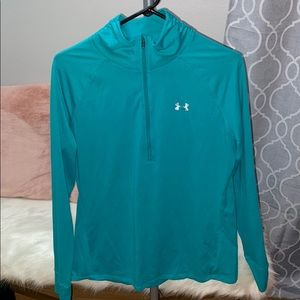 Light weight exercise under armour sweater